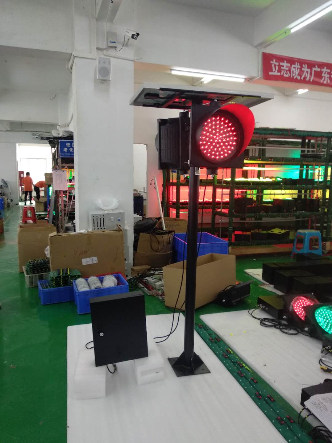 300mm red green color single traffic light with pole
