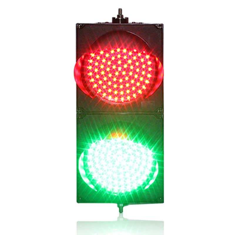 Traffic lights for single-lane parking lots