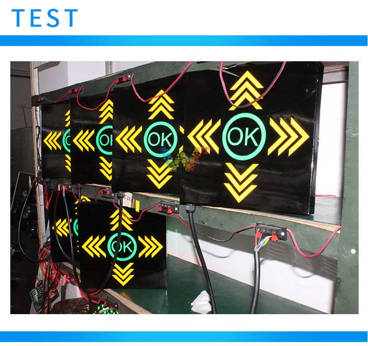 Customized Parking Lots Arrow Traffic Signal Light For