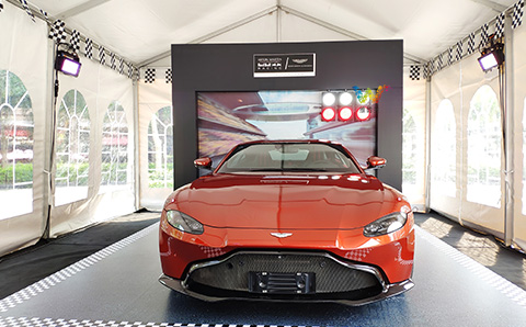 What are the participating traffic lights in the sports car exhibition?