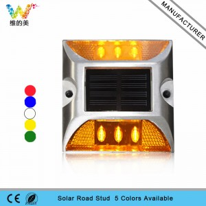 New arrival yellow flashing light solar power road stud light in Italy